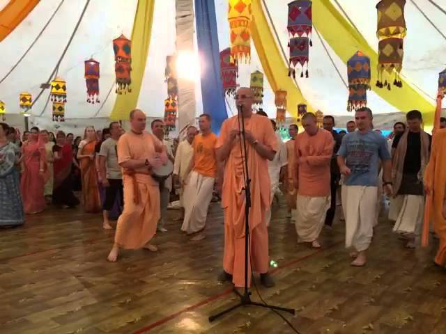 Niranjana Swami – Kirtan with Trivikrama Swami at Gauranga festival – Ukraine, 13-May-2015
