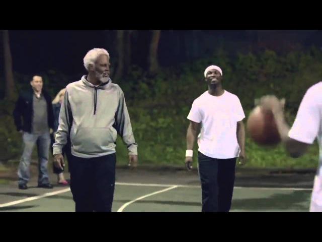 Игрок NBA играет в баскетбол под видом старика Часть 1 Скрытая камера