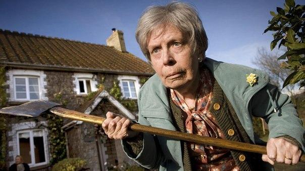 Две пенсионерки в Украине сговорились и убили бабушку-почтальона ради