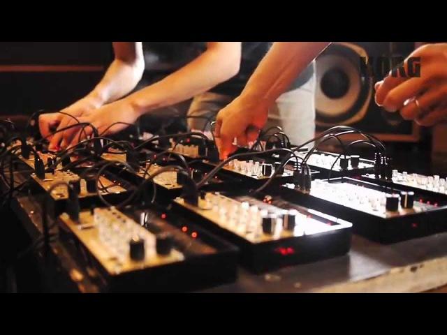 KORG volca 16 keys / performed by Seth