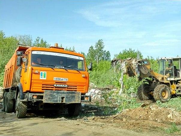 За время санитарного двухмесячника из Нижнекамска вывезли около 2700 кубометров мусора