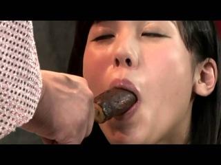 Lick a banana! Crazy and weird Japanese Show! Japanese weird show - Японское шоу 舔香蕉!