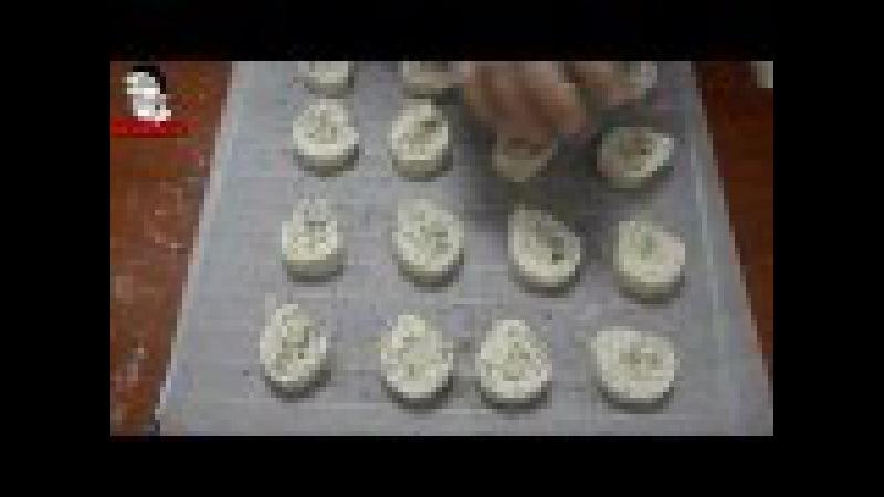 Paso a paso Como hacer Rulos de hojaldre rellenos de queso fundido queso azul y Jamón de York