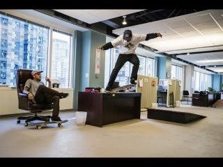 Скейтбординг в офисе
