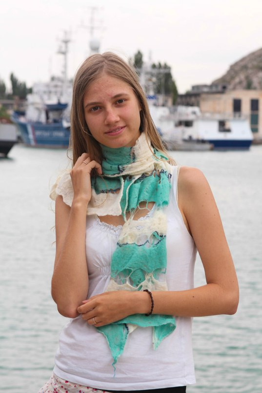 Летний шарф из шерсти войлок