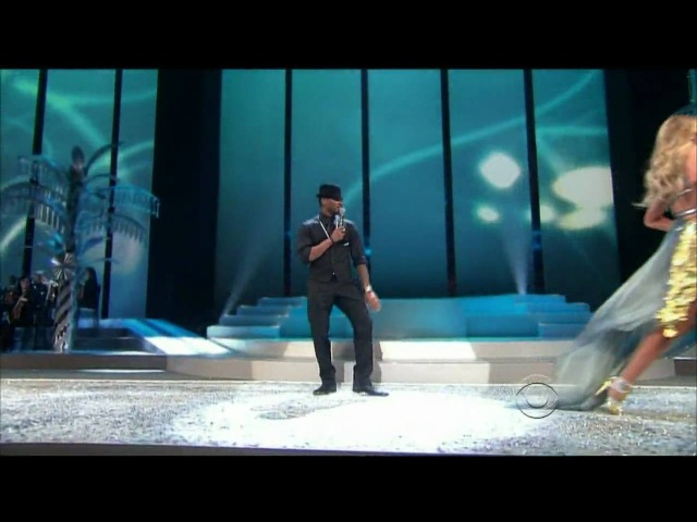 Usher (LIVE) - Victorias Secret Fashion Show Miami - 2008 [With songs - Whats your name Yeah]