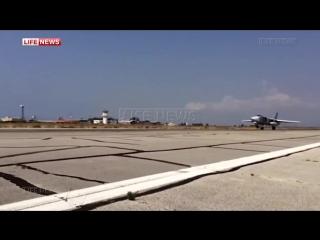 Взлеты и посадки российских самолетов в Сирии после выполнения боевой задачи