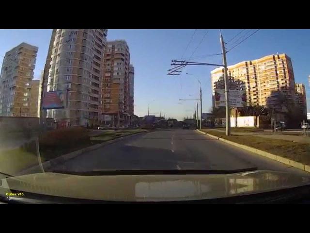 Дневная видеозапись с видеорегистратора Neoline Cubex V45