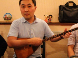 Урок №1. Песня Котуш на домбре в медленном темпе.