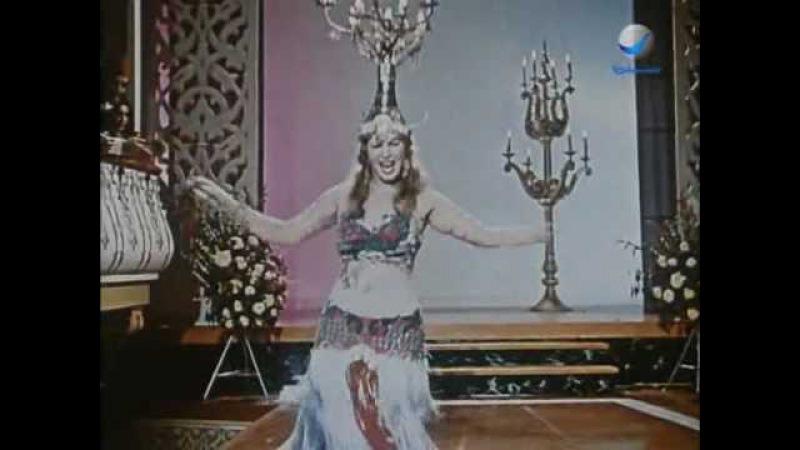 Shafiqa Al-Qebtiya: Candlestick Belly Dance - شفيقه القبطيه: رقصة الشمعدان