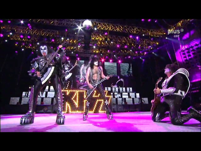 KISS - Paul Stanley Guitar Solo / Black Diamond - Rock Am Ring 2010 - Sonic Boom Over Europe Tour
