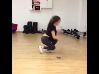 Казашка охуенно танцует♡♡♡