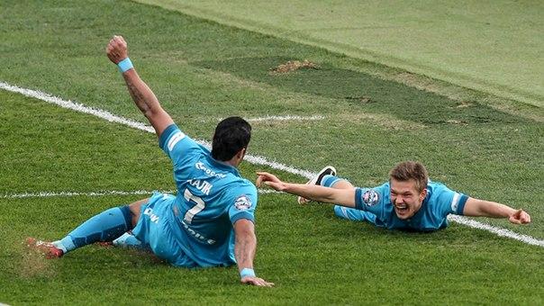 Думбия и Халк претендуют на звание лучшего игрока 2-го тура Лиги чемпионов