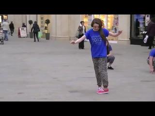 ARYA STARK! on the dancefloor (Maisie Williams/ Game of Thrones)