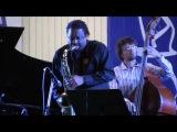Salsa Con Punta (Chico Freeman &amp Yakov Okun Trio)