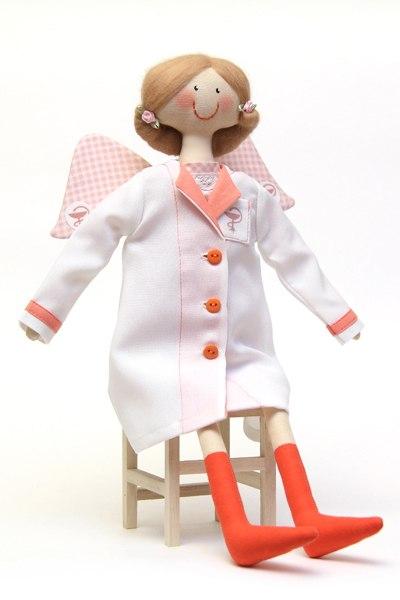 кукла врач