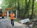 Ломают ограду в парке Измайлово