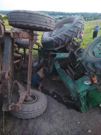 В Лениногорском районе в аварии погиб водитель трактора