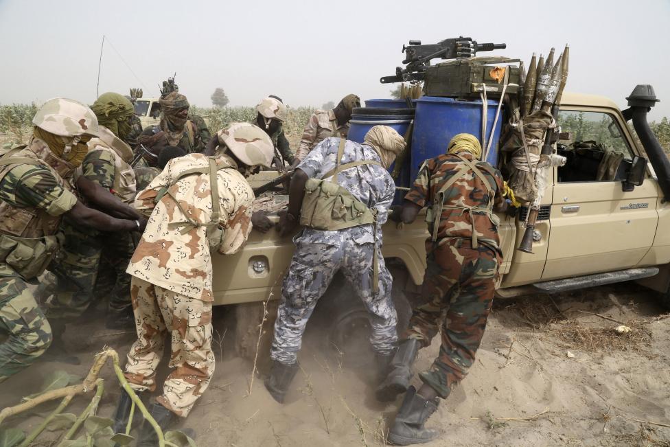 Armée Tchadienne - Page 5 RC54hOtYNGw