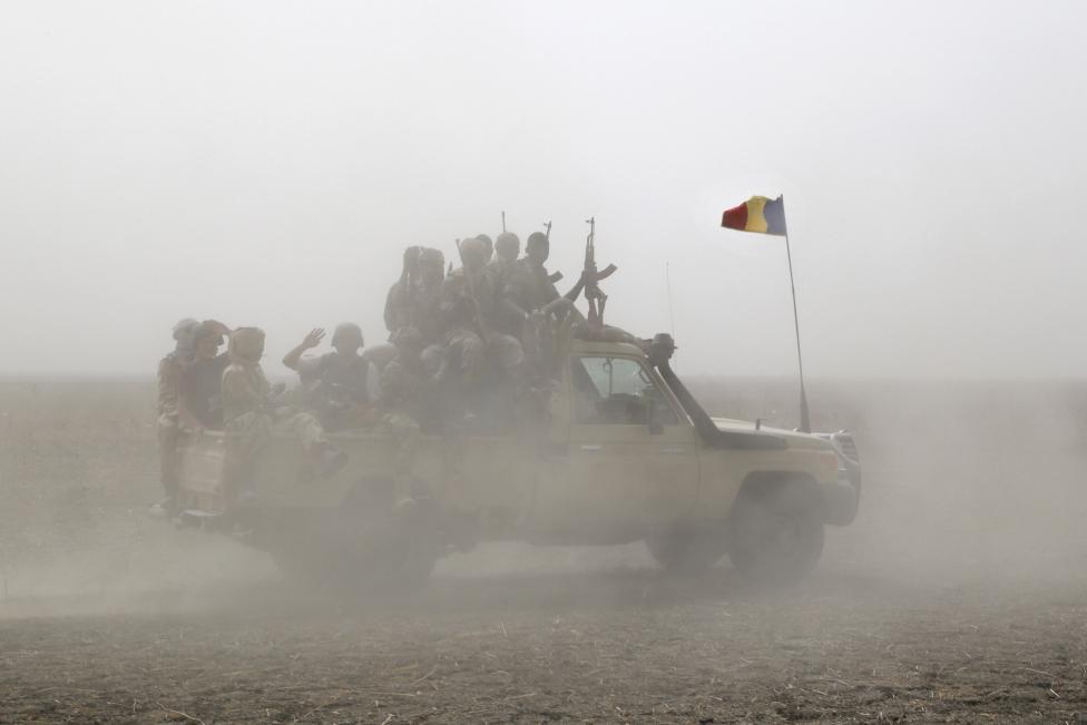 Armée Tchadienne - Page 5 -Hahw4VlkHA