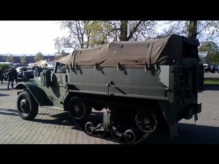 Выставка оружия и военной техники времен ВОВ
