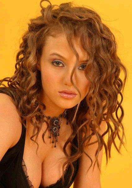 Голая Светлана Лобода на эротических фото из разных журналов