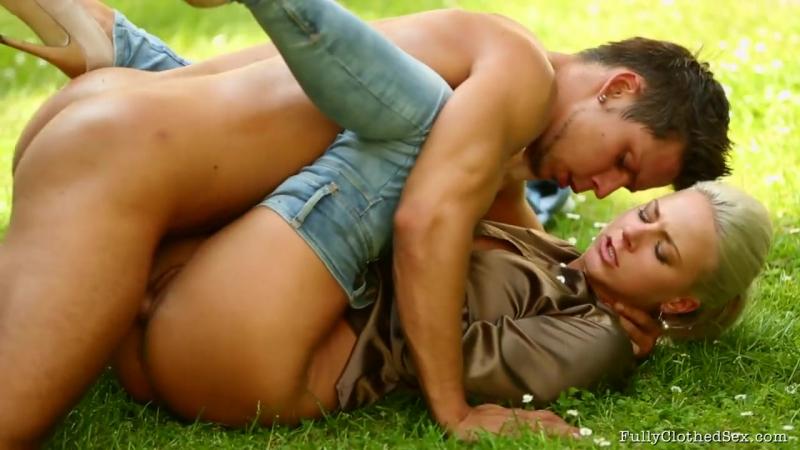 смотреть порно садовник хозяйки бразилия