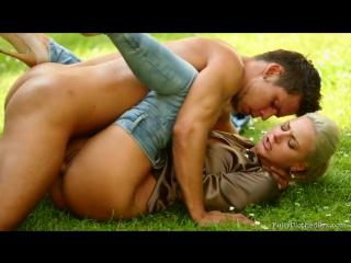 Секс видео с садовником фото 587-579