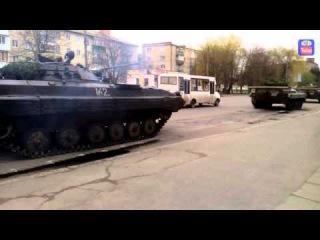 Даишник развернул колонну БМП в Миргороде/Policeman turned into a column of BMP Mirhorod