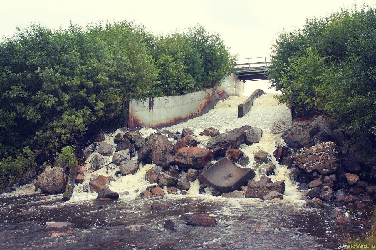 Плотина Козинского пруда
