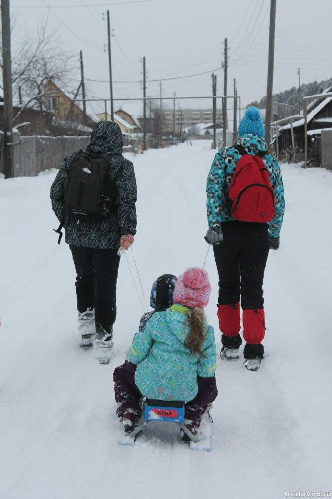 Участвовали в прогулке и дети