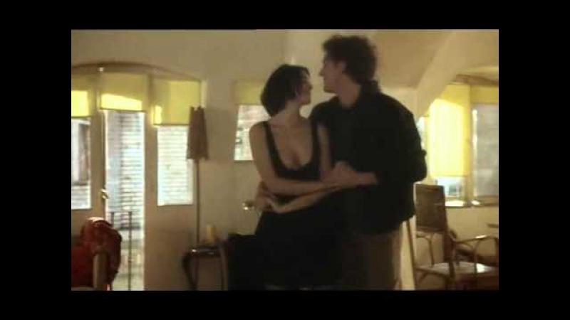 Monica Bellucci Vincent Cassel dance in L'appartement