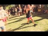 Бухой чел отжег змейкой под скриллекс !=))) DRUNK GUY DANCES TO SKRILLEX  BANGARANG!