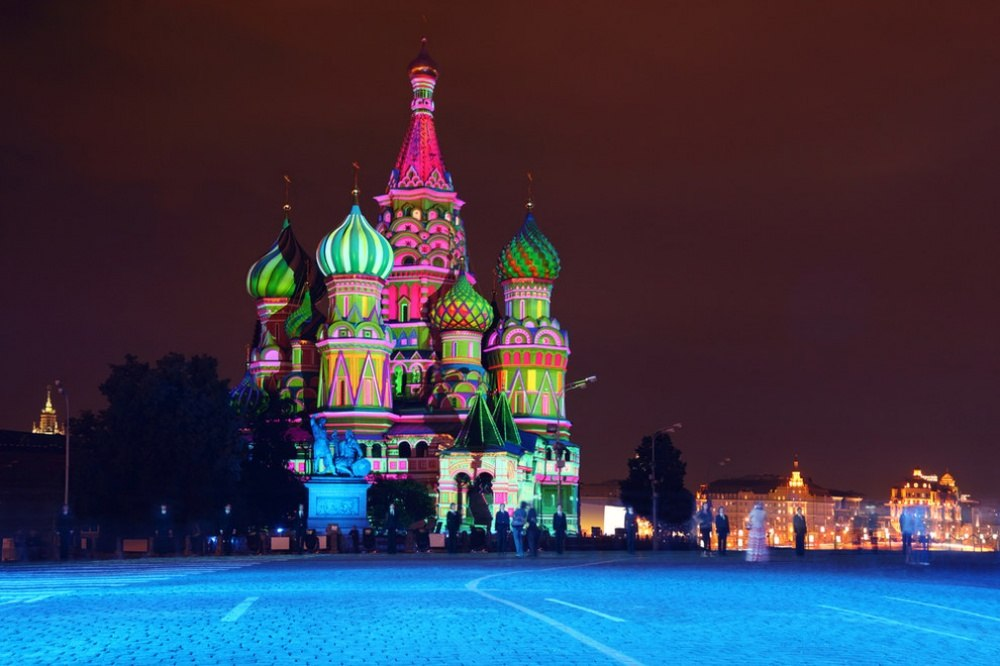 25 сказочных мест со всей планеты (Храм Василия Блаженного, Россия)
