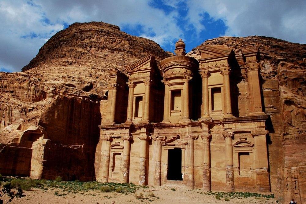 25 сказочных мест со всей планеты (Город Петра, Иордания)