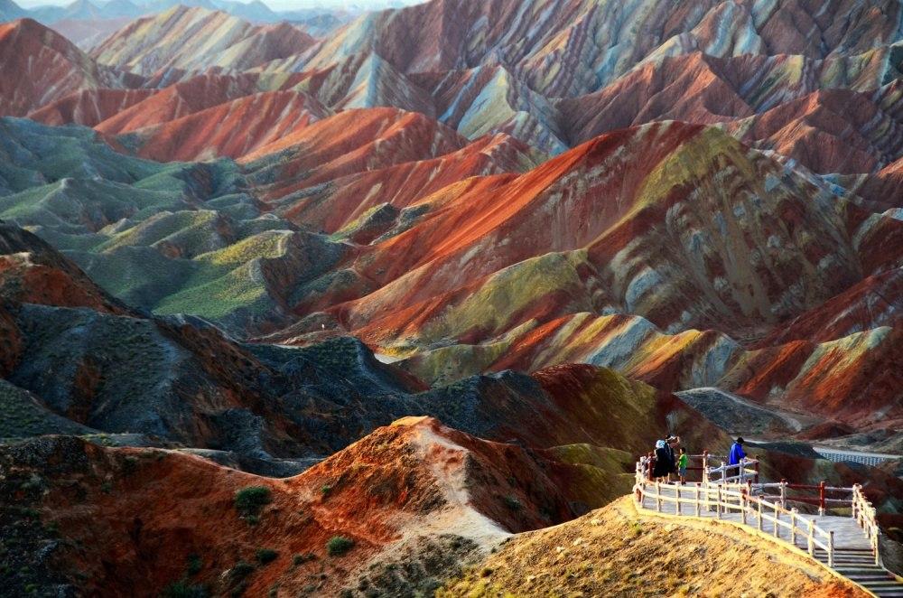 25 сказочных мест со всей планеты (Цветные скалы Чжанъе Данксиа, Китай)