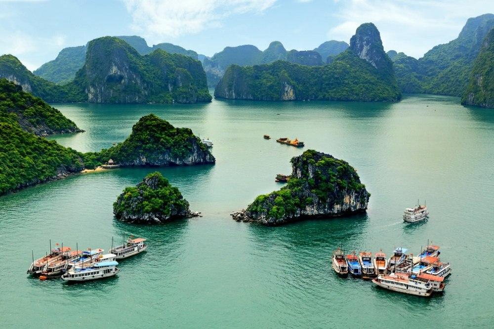 25 сказочных мест со всей планеты (Бухта Халонг, Вьетнам)