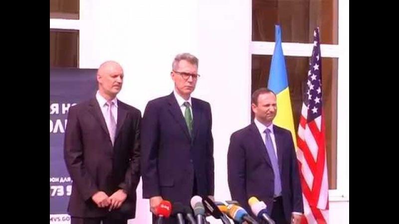 ХНУВС - Надзвичайний і повноважний посол США в Україні Джеффрі Пайєтт про становлення нової поліції в Україн