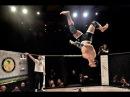 Боец капоэйра в ММА Маркус Аурелио Танец с отрыванием головы