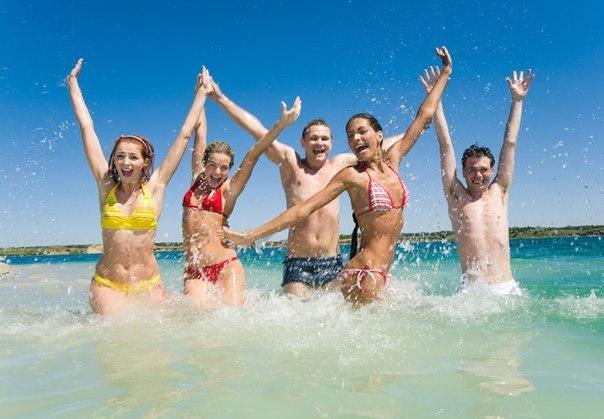 Фото молодёжь на море фото 691-425