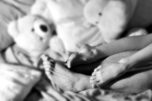 как много тех с кем можно лечь в постель как мало тех с кем хочется проснуться: