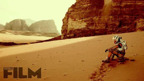 Портал Total Film опубликовал новые кадры грядущего сай-фай блокбастера Ридли Скотта «Марсианин».