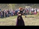 Танец девушки с двуручным мечом