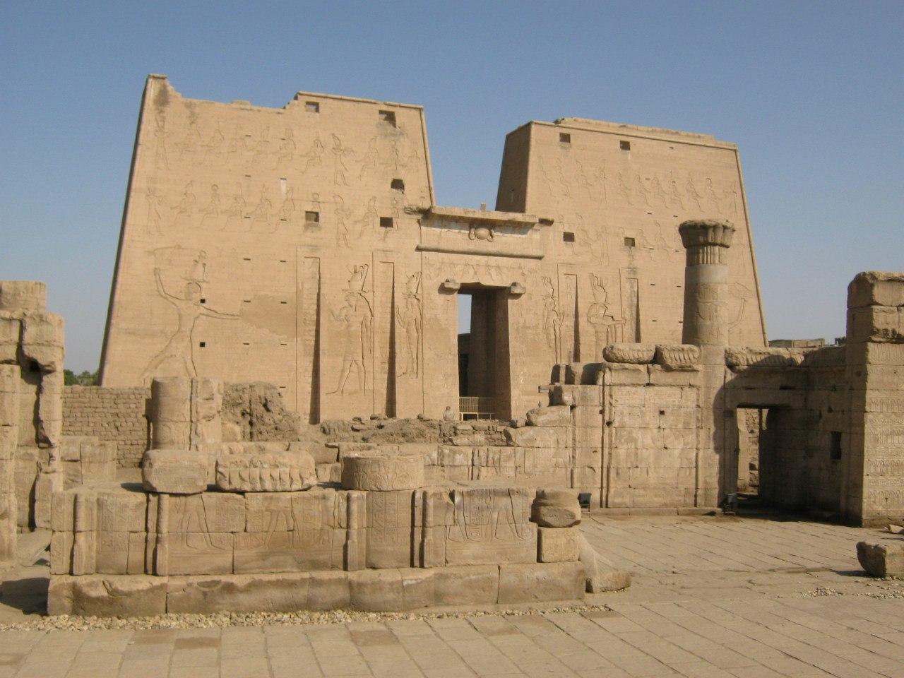 Храмовый комплекс Хорус в городе Идфу