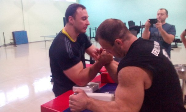 Alexey Voevoda vs. Denis Cyplenkov 2015 - Armwrestling Training / Sparring │ Photo Source: OFFICIAL GROUP DENIS Tsyplenkova!