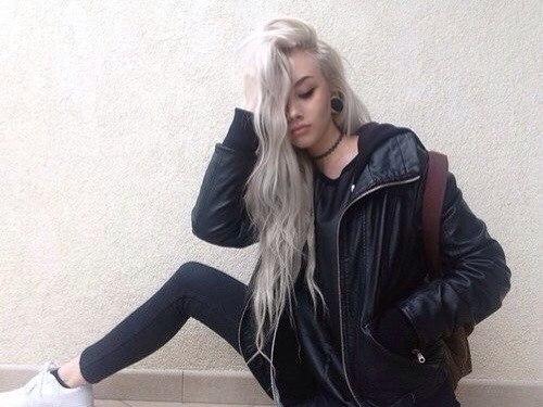 Волосы чисто белые