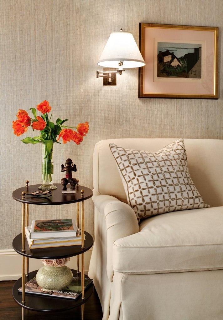 Две квартиры-студии 25 м располагаются одна над другой в одном жилом доме в Нью-Йорке.