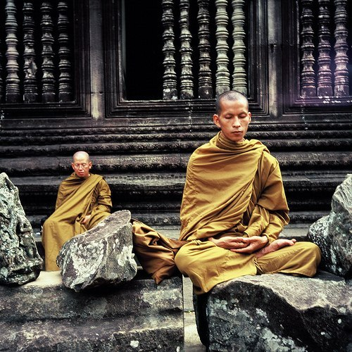 emptiness and theravada gelugpa and zen There are many schools of buddhism, sometimes grouped in the triyana system: hinayana (theravada), mahayana and vajrayana re resources on buddhism for students ages 15-16.