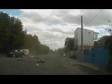 Лихач на ВАЗ 21099 протаранил Lexus, водителя внедорожника выбросило через люк