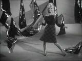 Brigitte Bardot sings 'L'appareil